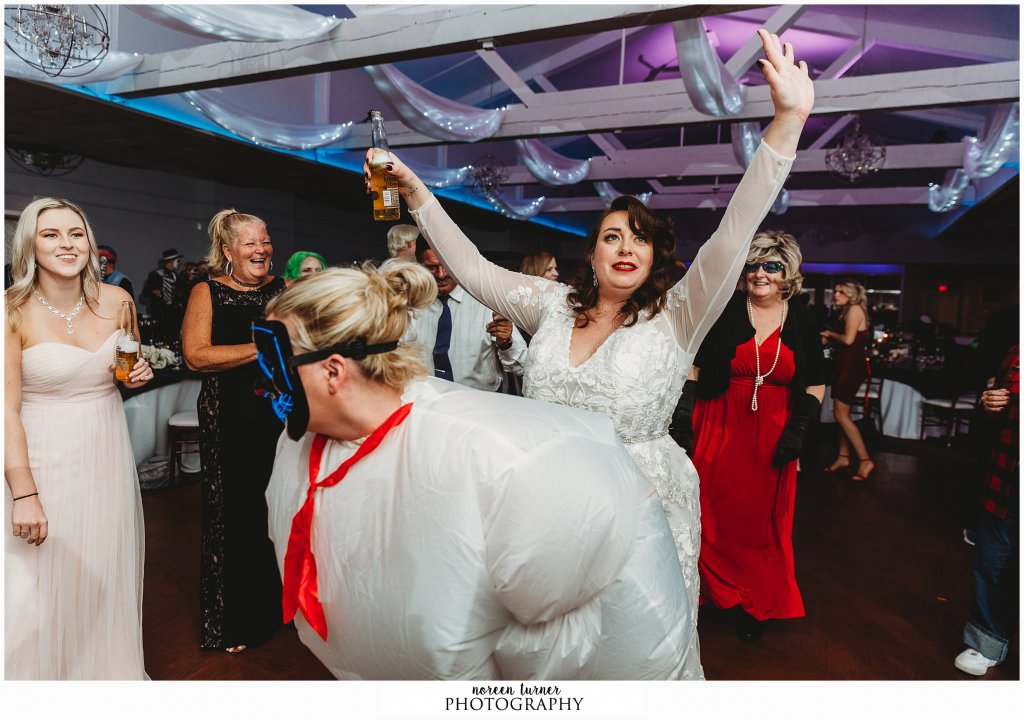 A perfect fall and Halloween Felt Factory wedding