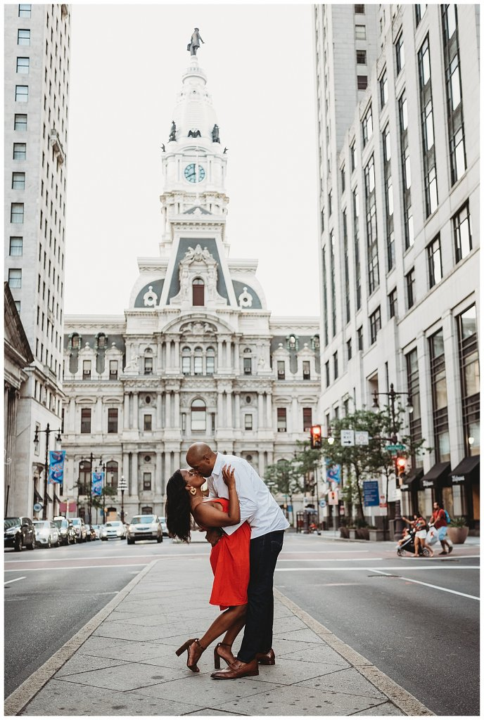 Philadelphia engagement session at City Hall by Noreen Turner Photography