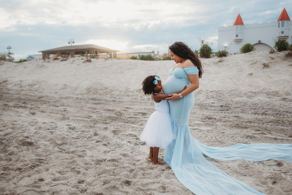 Ocean City maternity session by Noreen Turner Photography