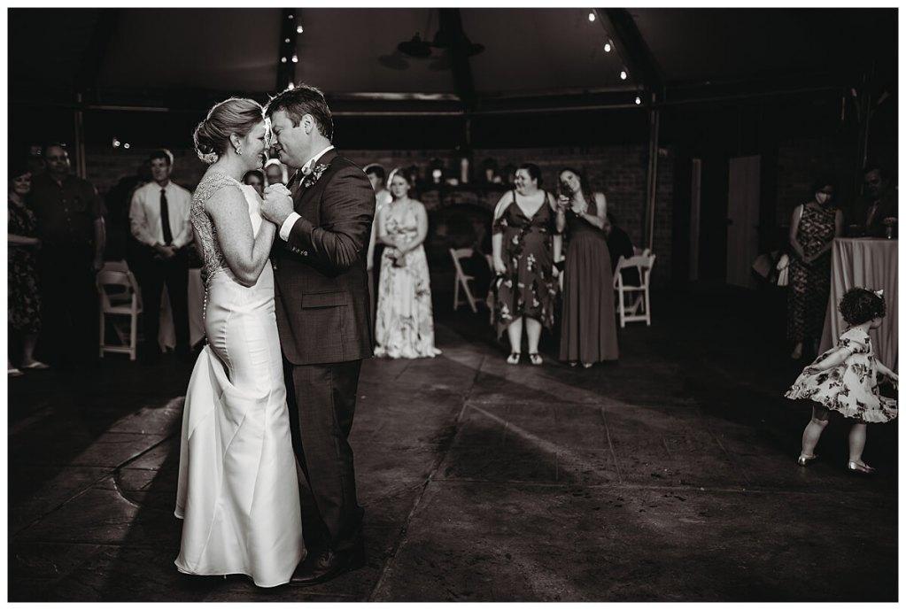 A gorgeous summer Tidewater Inn wedding by Philadelphia wedding photographer Noreen Tuner.