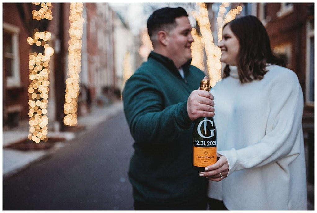 Addison Street engagement session by Noreen Turner Photography